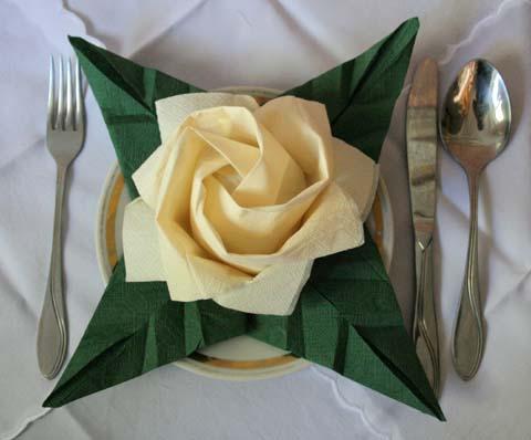 Цветы на стол из салфеток своими руками